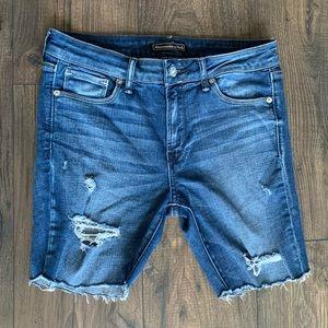 Abercrombie Mid Length Distressed Jean Shorts sz 6